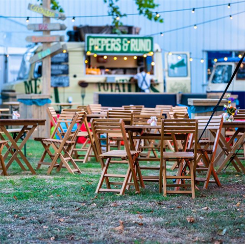 Throwback! #catering  organisatie #xcitingevents credits #eventpixels . Nextstop Dam tot Dam loop ##DTD18 . . . . . #amsterdamfood #bbqburger #fries #amsterdam #musicfestival #festival #streetfood #music #foodie #events #uitmarkt #iamsterdam #amsterdam #xcitingevents